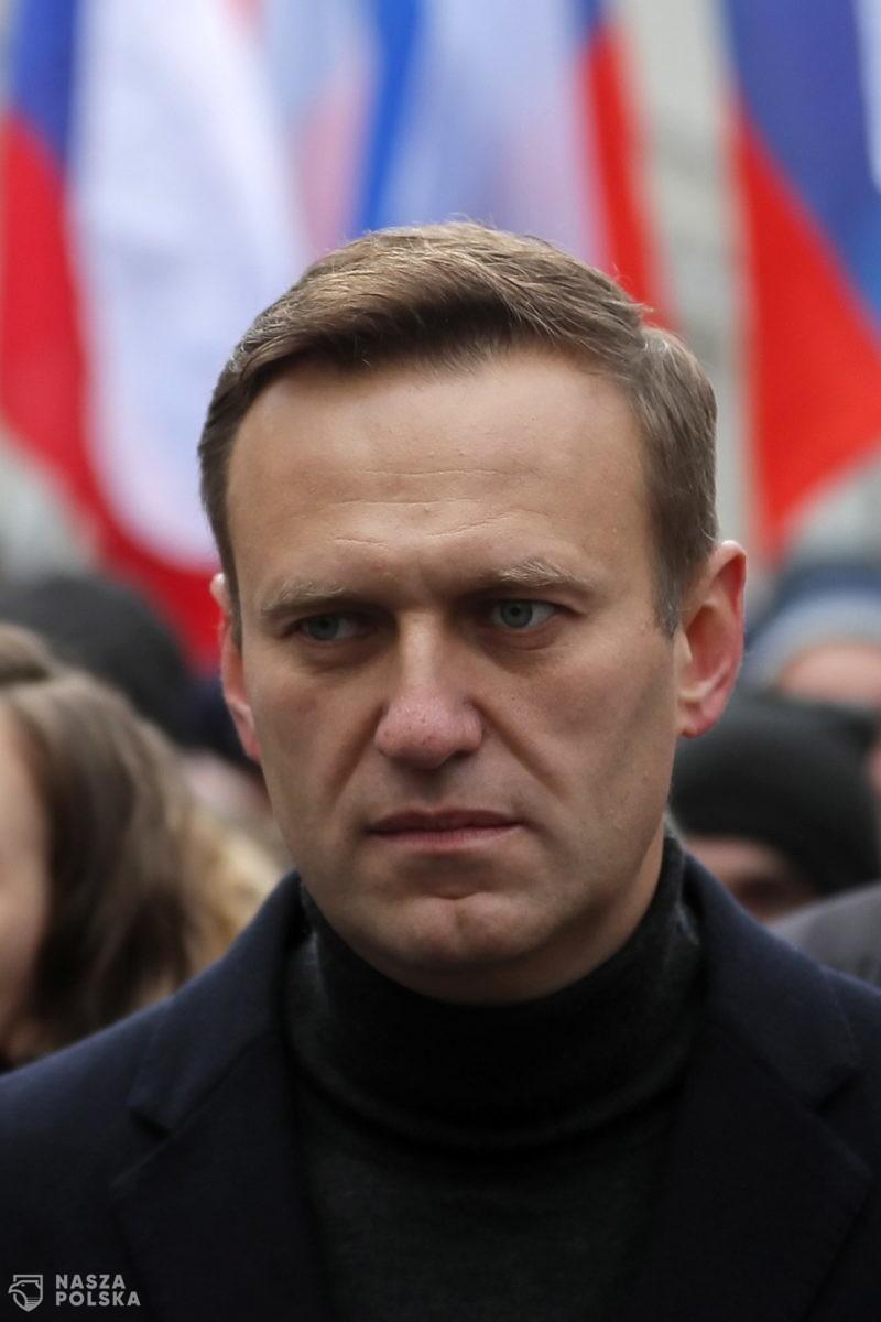 """Amnesty International odbiera Aleksiejowi Nawalnemu status """"więźnia sumienia"""", bo 15 lat temu szydził z migrantów"""
