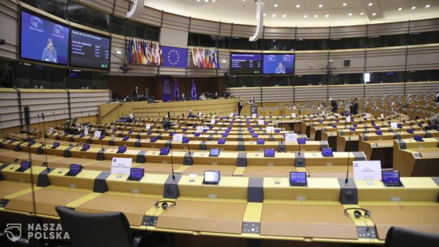 Europosłowie prawie jednogłośnie krytykują budowę elektrowni atomowej w Ostrowcu