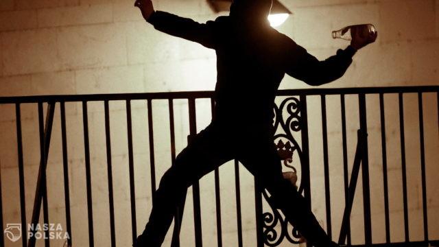 [FILM] Hiszpania/ Zwolennicy uwięzionego rapera wszczęli zamieszki w kilku miastach kraju