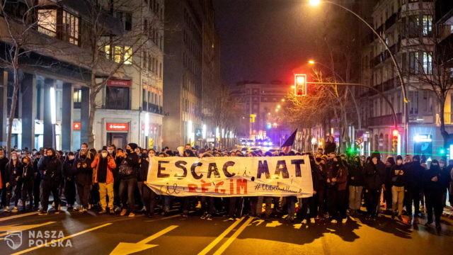 Hiszpania/ Ponad 8 000 osób domagało się uwolnienia Hasela w Barcelonie; kolejne zamieszki
