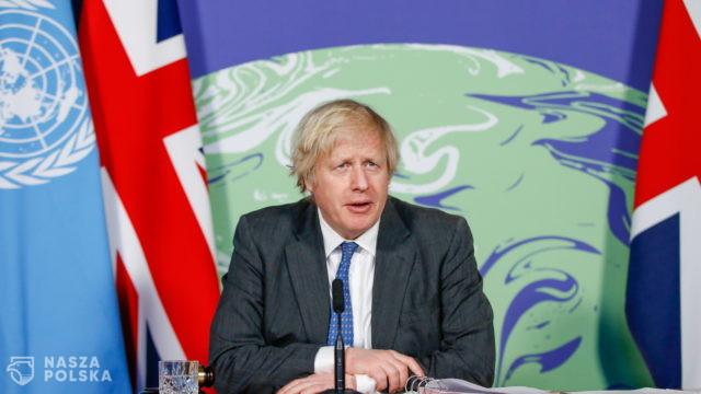 W. Brytania/ Premier obiecuje dogłębne rozważenie kwestii paszportów szczepionkowych