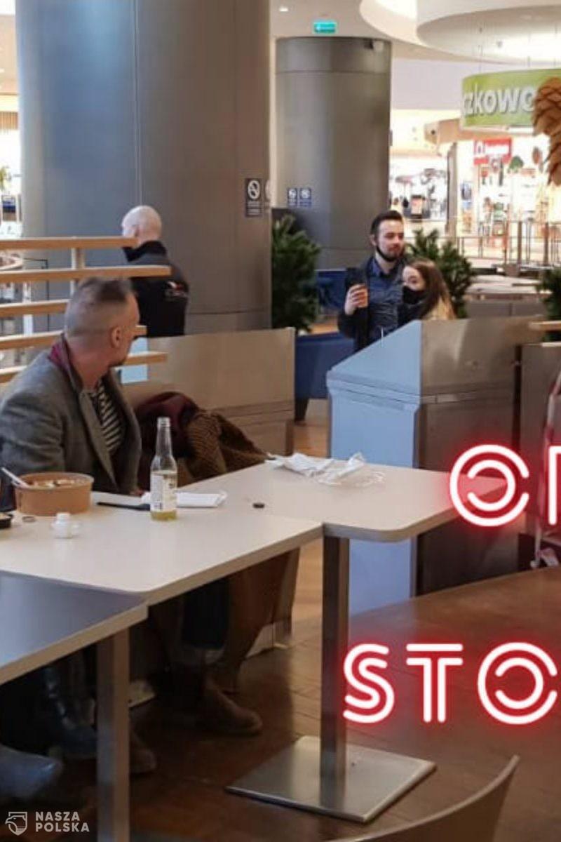 Protestujący bez maseczek w centrum handlowym: Usunęliśmy barykady i zamówiliśmy jedzenie