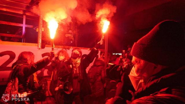 O północy zakończył się protest zorganizowany przez Ogólnopolski Strajk Kobiet