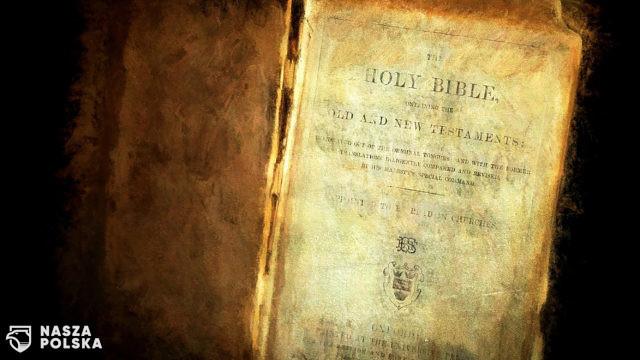 W jaskini nad Morzem Martwym odnaleziono fragmenty Biblii