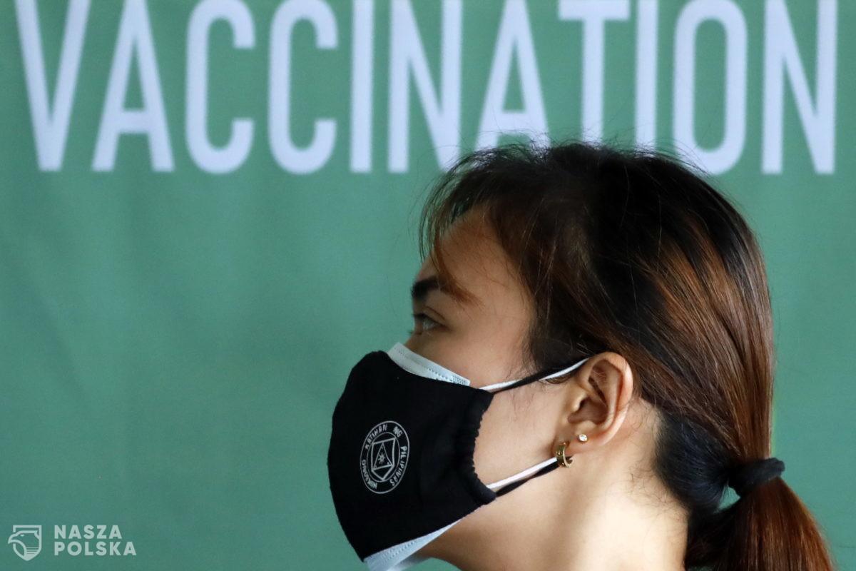 Brytyjskie badania mają wykazać, czy szczepienia przeciwko COVID-19 są skuteczne u osób z obniżoną odpornością