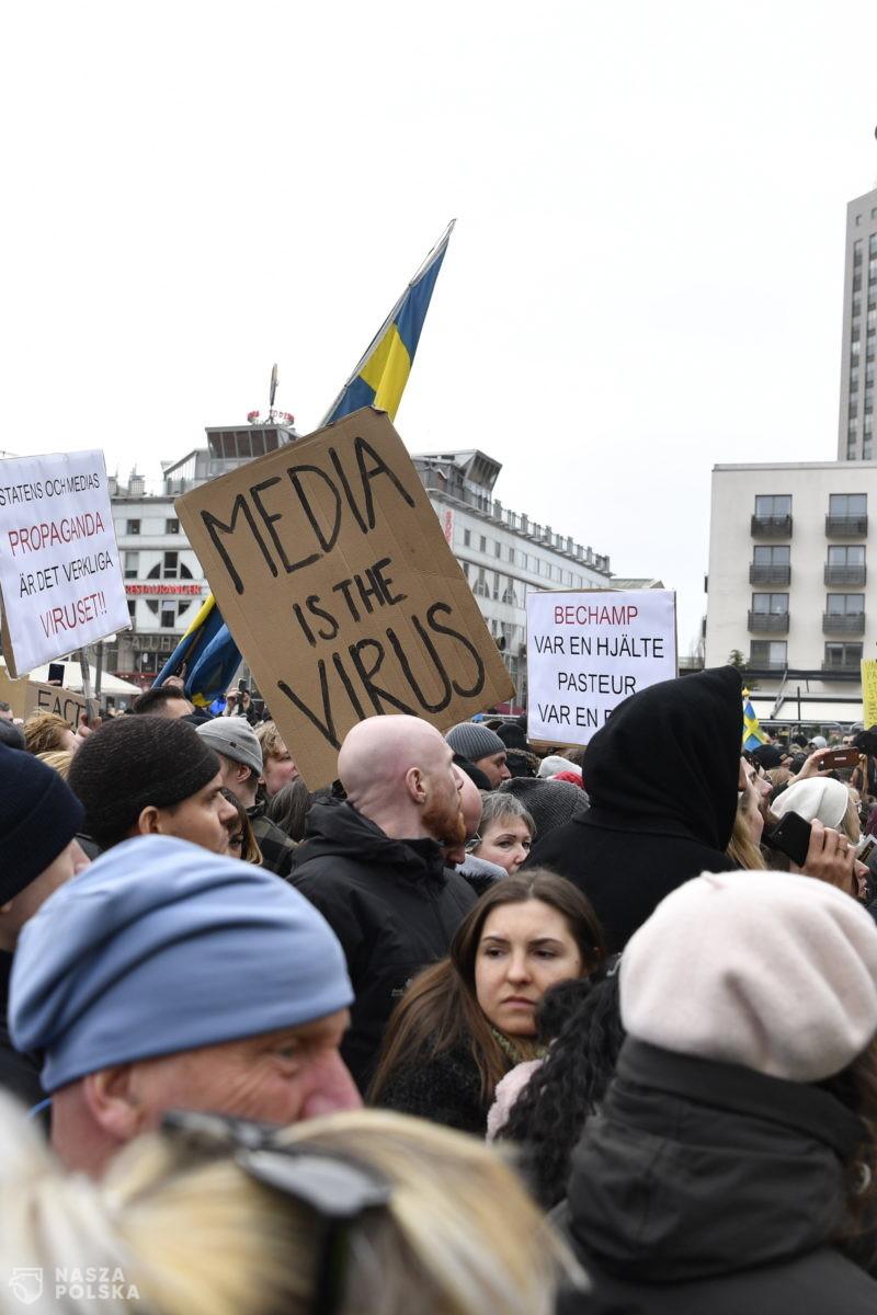 Szwecja/ Policja rozbiła demonstrację koronasceptyków