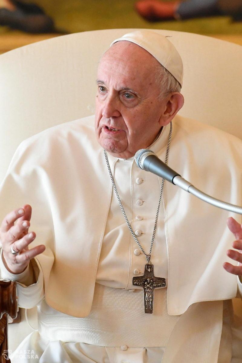 Papież apeluje o zawieszenie patentów na szczepionki