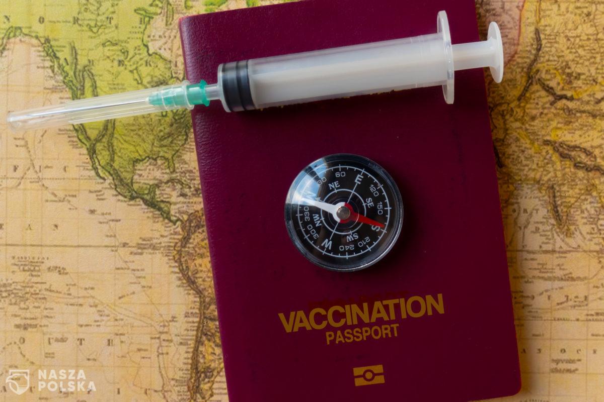 Porozumienie polityczne w sprawie paszportów szczepień możliwe do końca maja