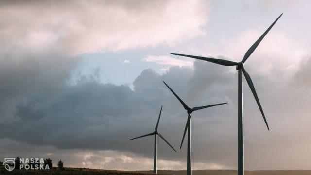 PKN Orlen przejmuje lądowe farmy wiatrowe
