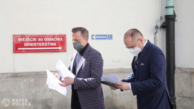 Joński i Szczerba kierują kolejne wnioski do premiera i ministra zdrowia