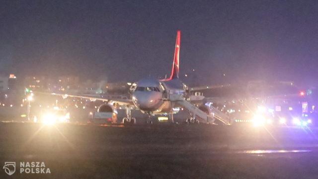 Ewakuowano pasażerów tureckiego samolotu. Służby szukają bomby