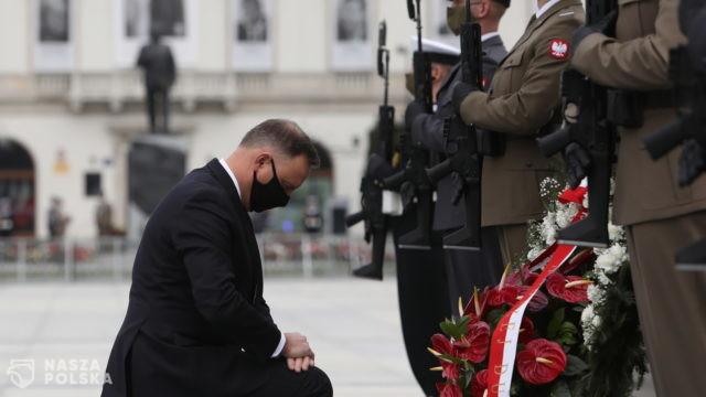Prezydent oddał cześć ofiarom katastrofy smoleńskiej