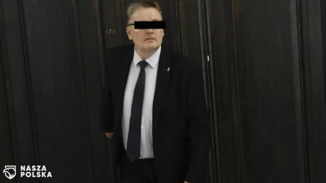 Wniosek o areszt dla b. senatora za znęcanie się nad psem