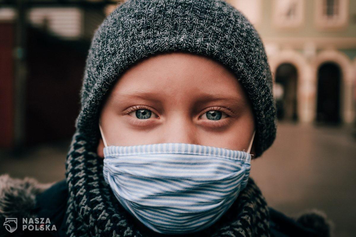 Prof. Kuna: Zamknięcie dzieci w domach, brak ruchu, brak kontaktów rówieśniczych wywołuje kolejną pandemię otyłości, lęku, depresji