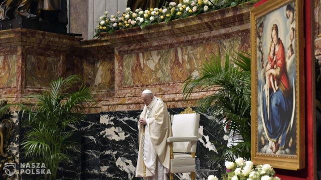 Papież: trzeba przezwyciężyć opóźnienia w dystrybucji szczepionek