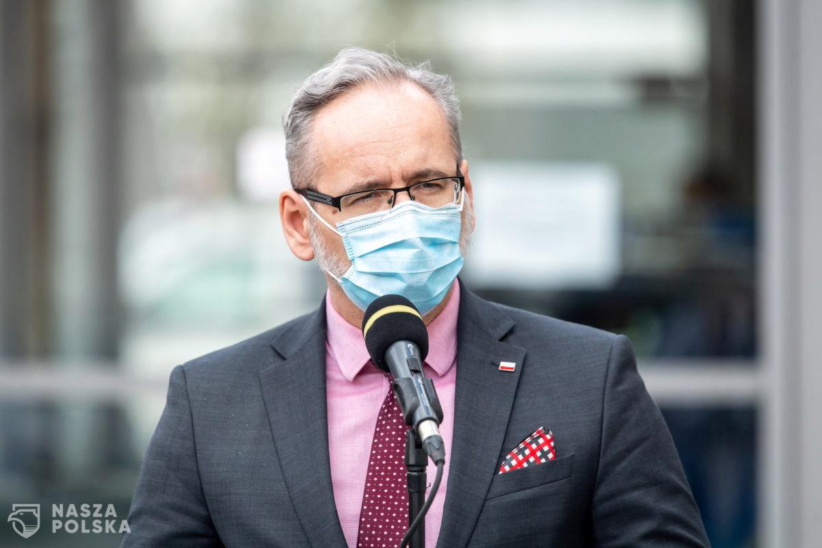 Niedzielski: na razie nie rozważamy wprowadzenia obowiązku szczepień przeciw COVID-19