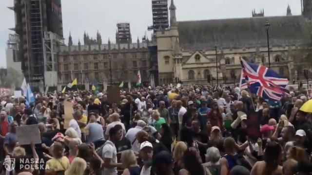Londyn/ Setki tysięcy ludzi protestowało przeciwko restrykcjom