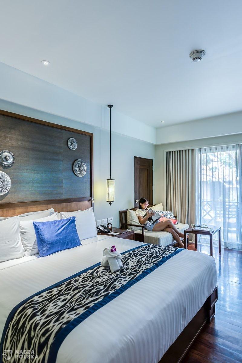 Ekspert: otwarcie hoteli to dobry początek, ale wciąż symboliczny