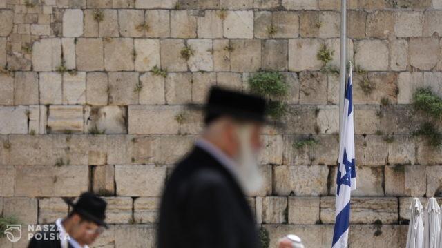Dwóch zabitych i dziesiątki rannych po zawaleniu się trybuny w synagodze na Zachodnim Brzegu