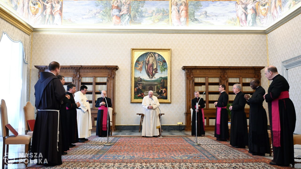 Papież: wspólnota ludzka jest rozbita, zraniona i zniekształcona