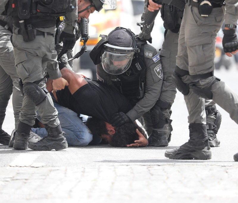 Izrael/ Ponad 320 rannych w starciach Palestyńczyków z policją w meczecie Al-Aksa