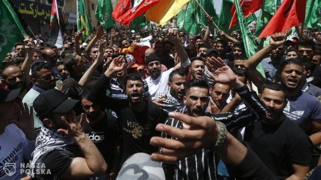 Ataki ultraprawicowych bojówek na Arabów, zamieszki w wielu miastach