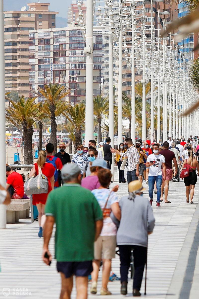 Dziesiątki interwencji w Hiszpanii. Policja wymusza przestrzeganie obostrzeń