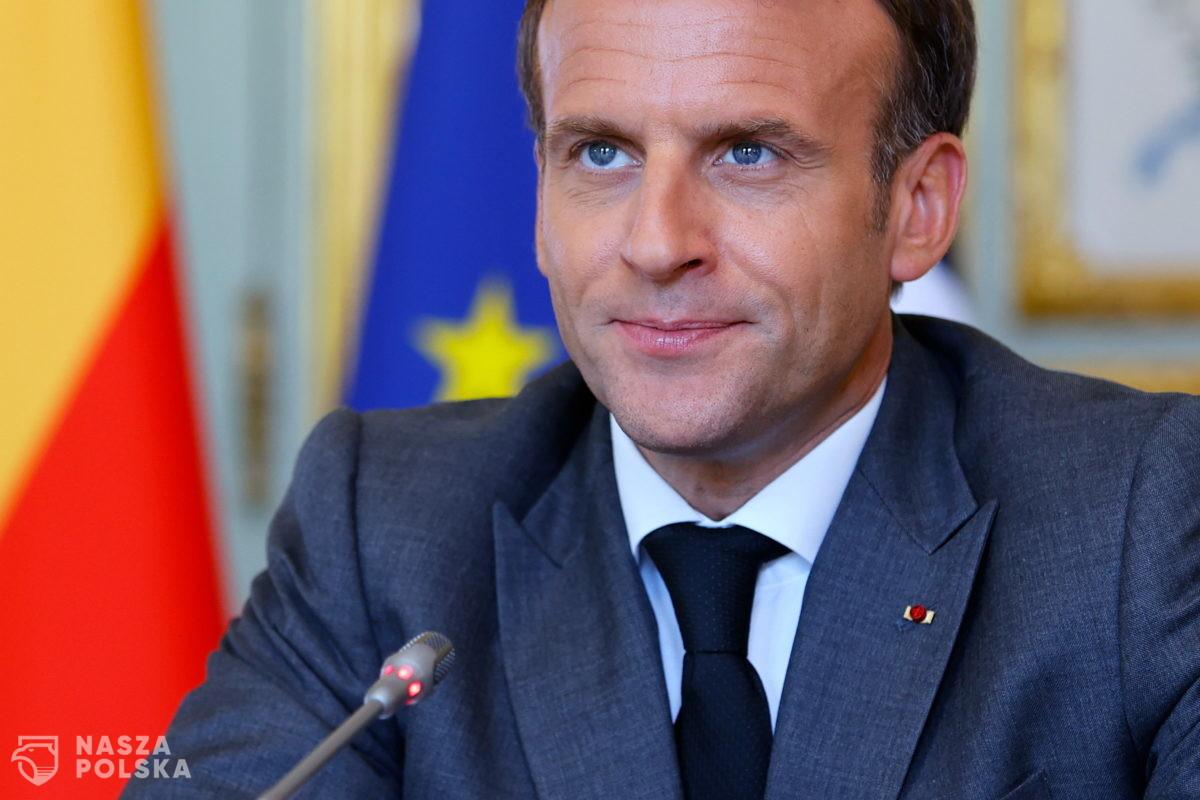 """Francja/ Macron zachęca rodaków do szczepień, bo jeszcze """"nic nie jest wygrane"""""""