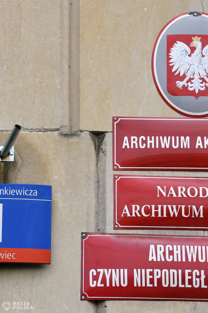 Projekt konstytucji PRL z odręcznymi poprawkami Stalina czekał na gości AAN