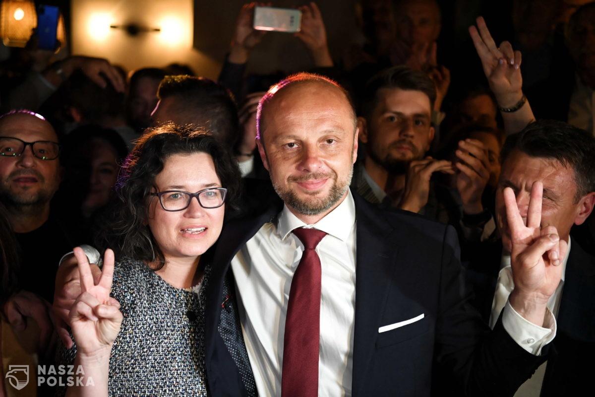 Rzeszów/ Exit poll: Fijołek – 55,8 proc.; Leniart – 25,1; Braun – 9,8; Warchoł – 9,3