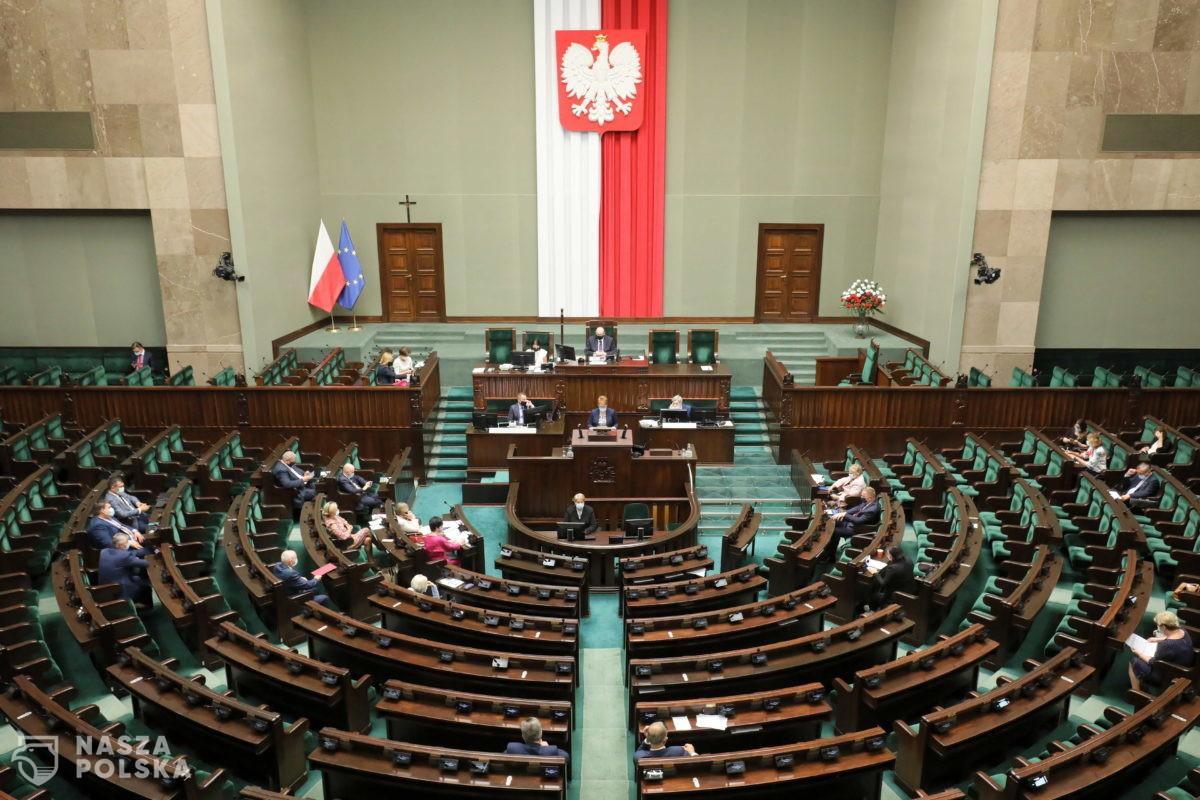 Zdecydowana większość Polaków źle ocenia działalność Sejmu