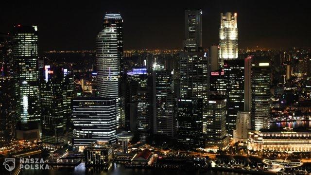 Singapur zdecydował żyć z Covid-19 jak z grypą, bez kwarantanny, testów i codziennej statystyki
