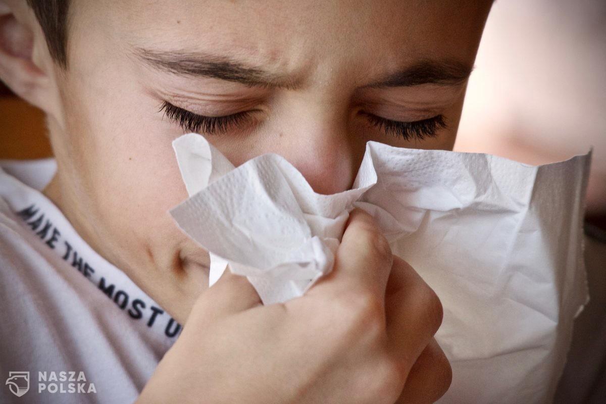 Badanie: Przeziębienie chroni przed COVID-19