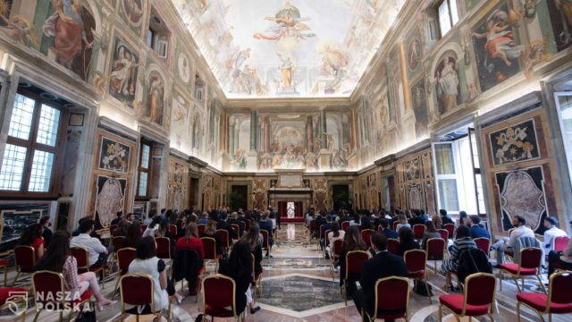 Papieskie pozdrowienia dla uczestników Lednicy 2000