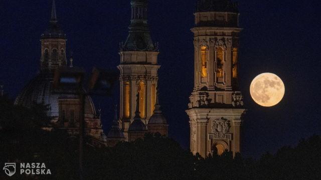 Księżyc w pełni – Saragossa, Hiszpania