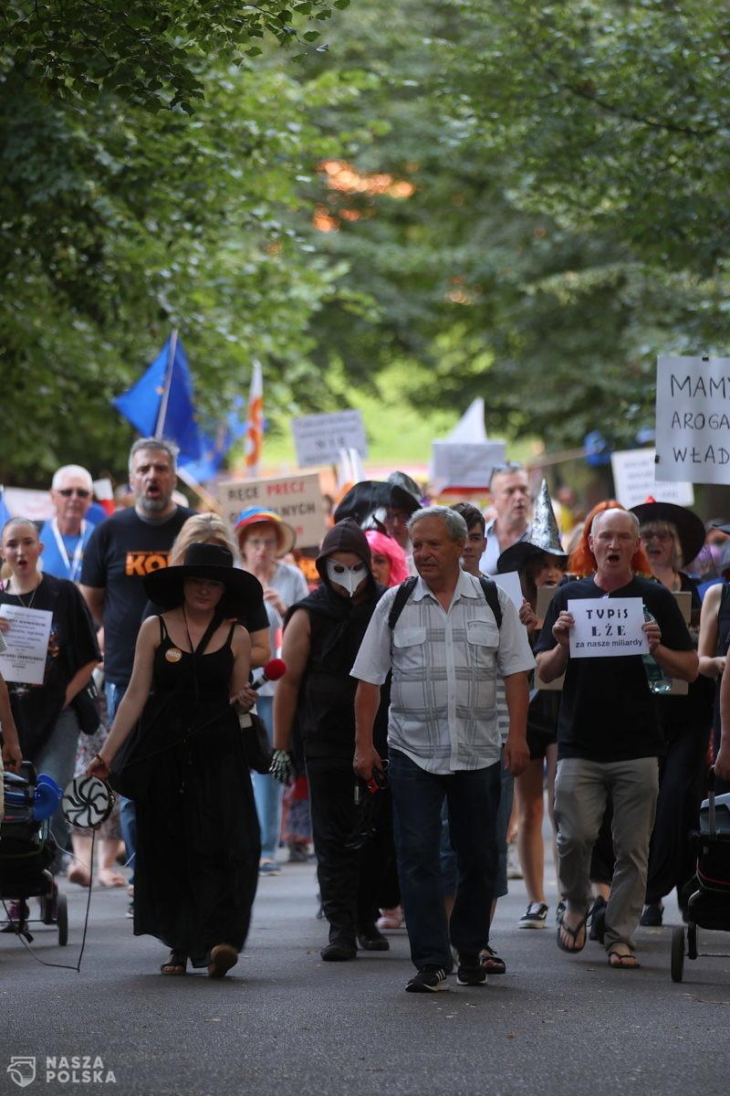 Przez Kraków przeszedł marsz cnotliwych niewiast, wiedźm i innych obywateli