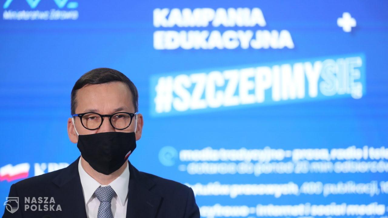 Rząd nie wie, jakie są skutki jego decyzji w walce z pandemią