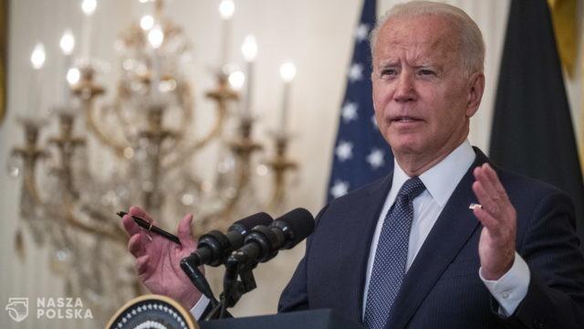 """USA/ Biden: Platformy internetowe """"zabijają ludzi"""", pozwalając na rozprzestrzenianie dezinformacji na temat szczepionek"""