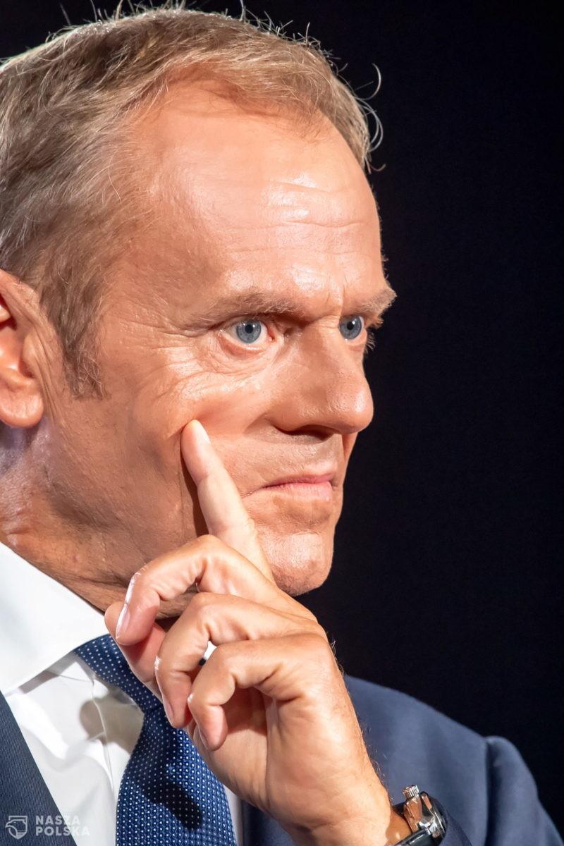 Tusk: Jarosławie, wyjdź do ludzi i powiedz, co zamierzasz zrobić z zielonymi ludzikami