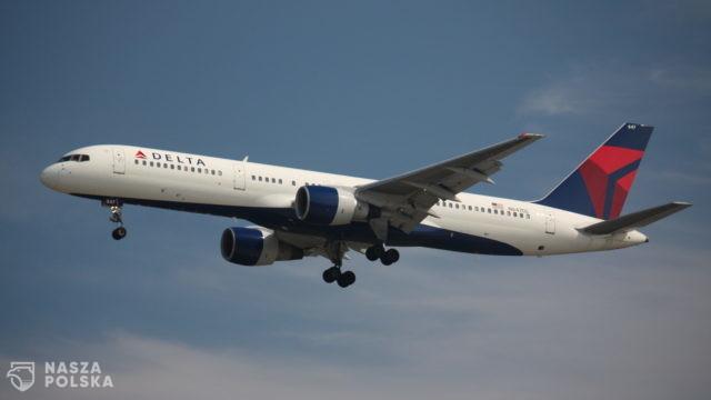 USA/ Delta Air Lines: niezaszczepieni pracownicy będą płacić miesięcznie 200 USD na ubezpieczenie