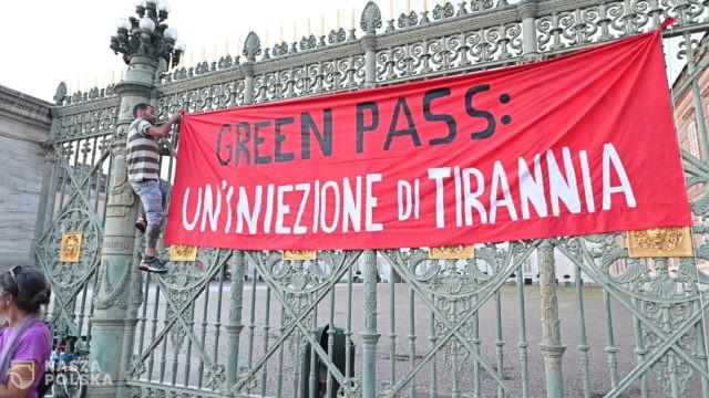 Włochy/ Wstęp do wielu miejsc tylko z przepustką Covid-19; polemiki i poparcie