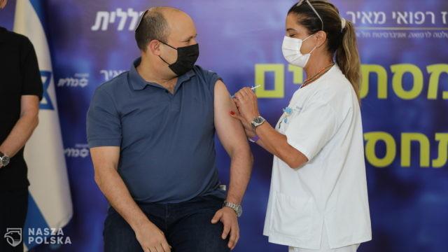 7 proc. ciężkich przypadków Covid-19 w Izraelu to osoby, które przyjęły trzy dawki szczepionki
