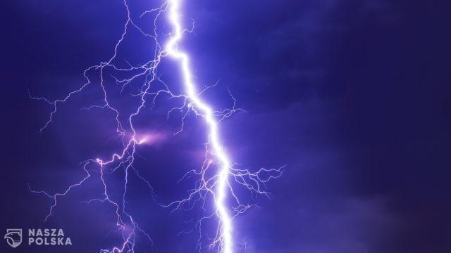 To będzie trudny wieczór w całej Polsce: burze, grad, a nawet trąby powietrzne