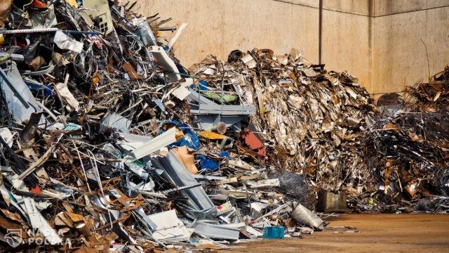 Niemieckie śmieci zalewają Polskę