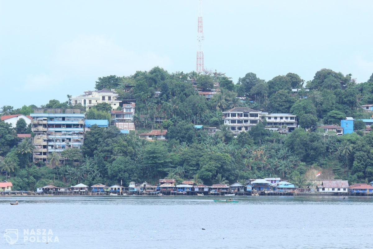 Media: niektóre wyspy Pacyfiku osiągnęły odsetek szczepień wiązany z odpornością zbiorową