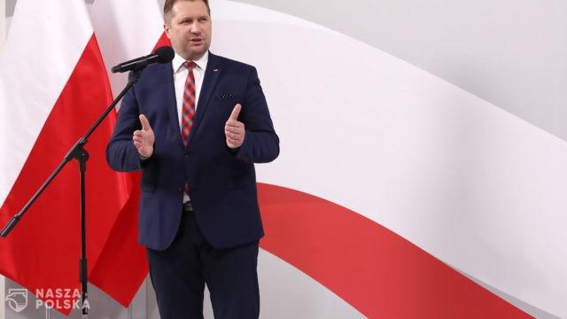 Czarnek: Kościół w Polsce podlega brutalnemu atakowi