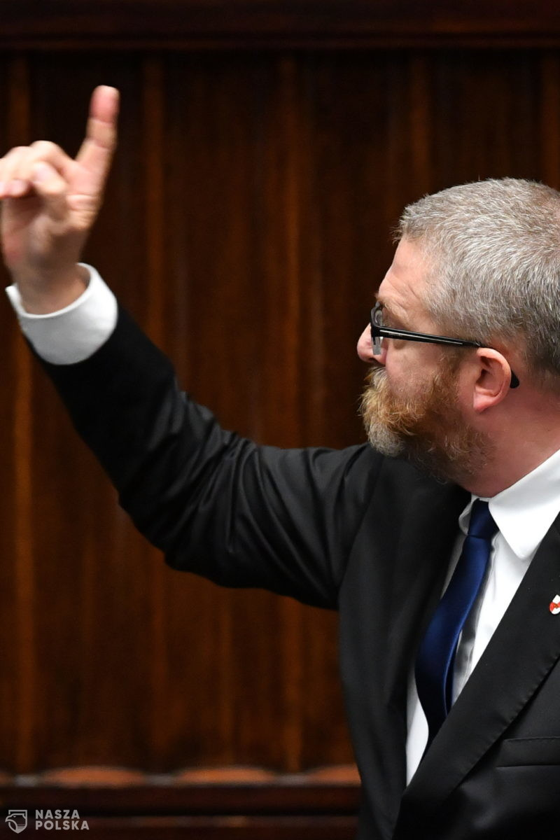 [FILM] Braun: konstytucjonaliści twierdzą, że przymus zamaskowania posłów jest nielegalny