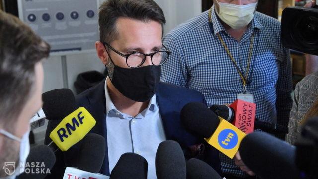 Fogiel: uchwała PiS wykluczająca polexit ma wytrącić oręże opozycji