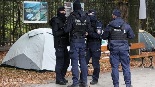 PAP dotarła do zdjęcia listu mężczyzny, który śmiertelnie postrzelił się w Warszawie