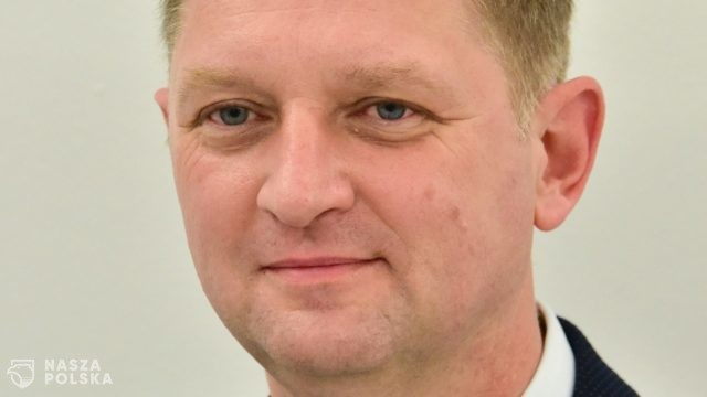Posłowie Lewicy chcą ukarania Rozenka za jego wypowiedzi medialne